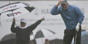 Combate los elementos en el campo de golf.