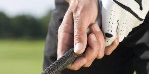 Grip de golf: Consejos para coger bien el palo.